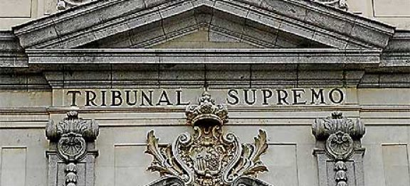 Az Andalúziai Legfelsőbb Bíróság 8 évvel csökkenti a korábbi élettársát meggyilkoló férfi börtönbüntetését